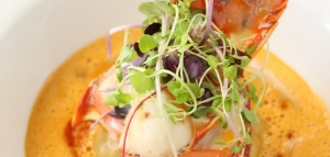 crab-ravioli-with-lobster-medallion-feature